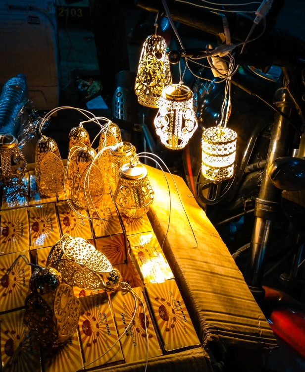 Birdcage lights